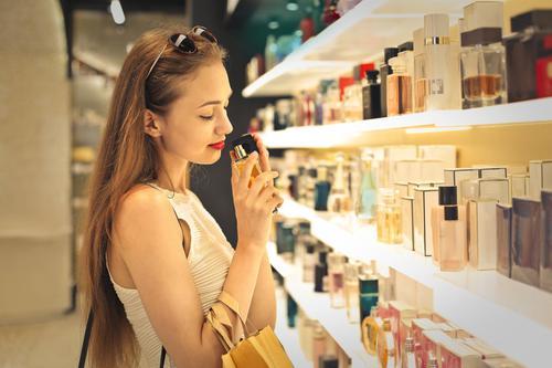 Comment le nez perçoit l'odeur d'un parfum